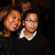 Premiere Songfestival in Concert, Justine Pelmelay en zoon