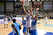 DESCRIZIONE : Cantù Lega A 2015-16 Acqua Vitasnella Cantu' vs Dinamo Banco di Sardegna Sassari<br /> GIOCATORE : Ruben Zugno<br /> CATEGORIA : Tiro<br /> SQUADRA : Acqua Vitasnella Cantu'<br /> EVENTO : Campionato Lega A 2015-2016<br /> GARA : Acqua Vitasnella Cantu'  Dinamo Banco di Sardegna Sassari<br /> DATA : 12/10/2015<br /> SPORT : Pallacanestro <br /> AUTORE : Agenzia Ciamillo-Castoria/I.Mancini<br /> Galleria : Lega Basket A 2015-2016  <br /> Fotonotizia : Acqua Vitasnella Cantu'  Lega A 2015-16 Acqua Vitasnella Cantu' Dinamo Banco di Sardegna Sassari   <br /> Predefinita :
