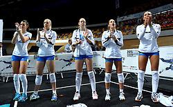 28-09-2015 NED: Volleyball European Championship Polen - Slovenie, Apeldoorn<br /> Polen wint met 3-0 van Slovenie / Lana Scuka #14,  Sasa Planinsec, Anita Sobocan #20