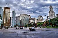 Avenida del Libertador, Plaza San Martin