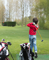 VIJFHUIZEN - Open Golf Dag op Haarlemmermeersche Golf Club.  De kans om kennis te maken met  golf. Ouder kind, vader zoon  COPYRIGHT KOEN SUYK