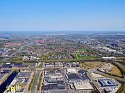 Nederland, Noord-Holland, Amsterdam; 17-04-2021; de wijk Overamstel met Duivendrechtsevaart. Industrieterreinen Amstel I, Omval en Weespertrekvaartbuurt. Van der Madeweg.<br /> The Overamstel district with Duivendrechtsevaart. Industrial areas Amstel I, Omval and Weespertrekvaartbuurt.<br /> <br /> luchtfoto (toeslag op standard tarieven);<br /> aerial photo (additional fee required)<br /> copyright © 2021 foto/photo Siebe Swart