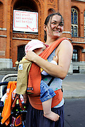 BERLIN, GERMANY - 26/06/2008 - TRAVEL, A woman and her baby at the townhall of Berlin during protest to raise funds at schools..cfr. Berlin, Germany, capital, baby, mother, townhall Rathause, ..©Christophe VANDER EECKEN