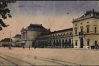 Zagreb : Državni kolodvor. <br /> <br /> ImpresumS. l. : S. n., [1920].<br /> Materijalni opis1 razglednica : tisak ; 8,9 x 13,9 cm.<br /> Vrstavizualna građa • razglednice<br /> ZbirkaGrafička zbirka NSK • Zbirka razglednica<br /> Formatimage/jpeg<br /> PredmetZagreb –– Trg kralja Tomislava<br /> SignaturaRZG-TOM-56<br /> Obuhvat(vremenski)20. stoljeće<br /> NapomenaRazglednica je putovala 1920. godine.<br /> PravaJavno dobro<br /> Identifikatori000953719<br /> NBN.HRNBN: urn:nbn:hr:238:642559 <br /> <br /> Izvor: Digitalne zbirke Nacionalne i sveučilišne knjižnice u Zagrebu