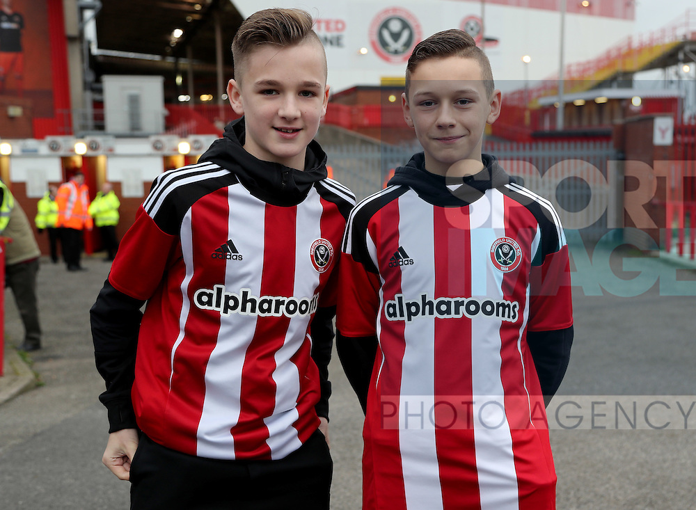 Sheffield United fans for fans gallery during the English Football League One match at Bramall Lane, Sheffield. Picture date: December 10th, 2016. Pic Jamie Tyerman/Sportimage