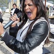 NLD/Amsterdam/20120419 - Lancering Moet Ice Imperial, zangeres Jenniffer Cooke