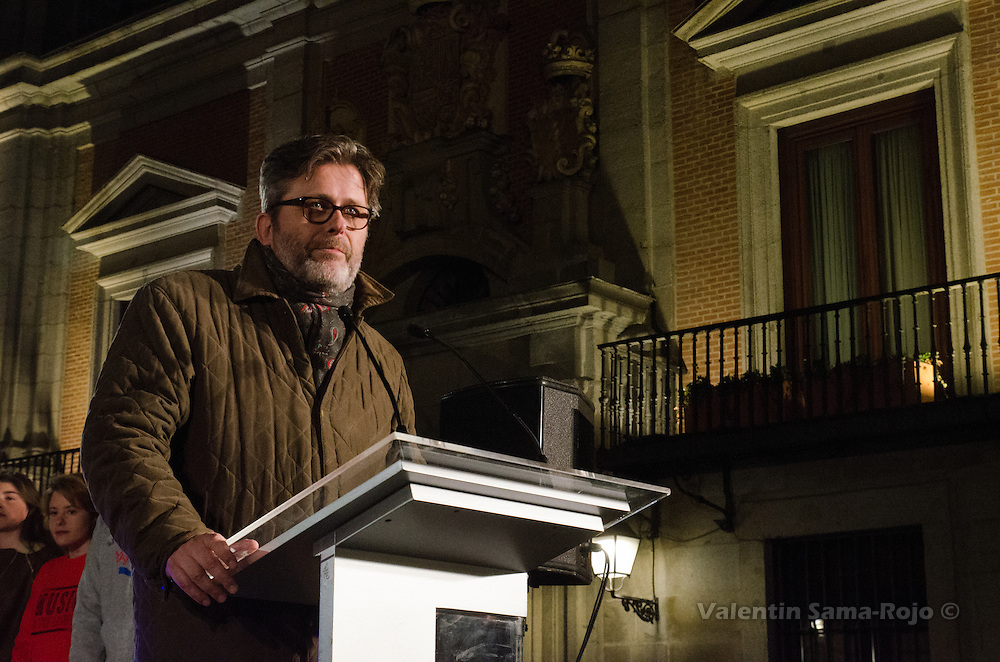 Madrid, Spain. 29th December, 2016. Miguel de Lucas, General Secretary of Casa Sefarad Israel, speaking during the celebration of Hanukkah in Madrid. © Valentin Sama-Rojo.
