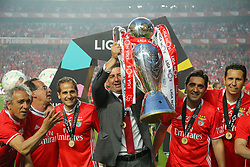 May 13, 2017 - Lisbon, Lisbon, Portugal - Benfica's coach Rui Vitoria from Portugal celebrating the tetra title with his team mates after the match between SL Benfica and Vitoria SC for the Portuguese Primeira Liga at Estadio da Luz on May 13, 2017 in Lisbon, Portugal. (Credit Image: © Dpi/NurPhoto via ZUMA Press)