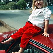Reis Amerika, Santa Barbara Linda Janssen op het dak van de huurauto