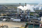Nederland, Zuid-Holland, Rotterdam, 23-10-2013; Maasvlakte met de kolengestookte Centrale Maasvlakte van E.ON. In de achtergrond de Tweede Maasvlakte (MV2).<br /> Maasvlakte with the coal-fired Maasvlakte Power Plant E.ON. In the background the Maasvlakte (MV2).<br /> luchtfoto (toeslag op standard tarieven);<br /> aerial photo (additional fee required);<br /> copyright foto/photo Siebe Swart