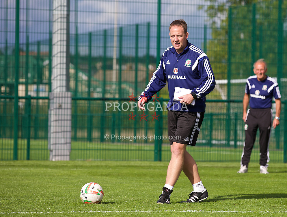 NEWPORT, WALES - Wednesday, September 24, 2014: Wales' coach Carl Darlington training at Dragon Park ahead of the Under-16's International Friendly match against France. (Pic by David Rawcliffe/Propaganda)