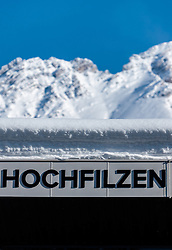 18.01.2017, Biathlonarena, Hochilzen, AUT, IBU Weltmeisterschaft Biathlon, Hochfilzen, Vorberichte, im Bild Hochfilzen Schriftzug vor Berge // Preview for the Upcoming IBU Biathlon World Championships 2017at the Biathlonarena, Hochfilzen, Austria on 2017/01/02. EXPA Pictures © 2017, PhotoCredit: EXPA/ JFK