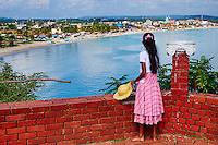 Sri Lanka, province de l'Est, Trincomalee, Fort Frederick, jeune fille regardant la mer // Sri Lanka, Ceylon, Eastern Province, East Coast, Trincomalee, young girl looking the sea