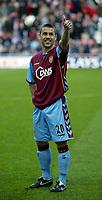 Photo: Andrew Unwin.<br />Sunderland v Aston Villa. The Barclays Premiership.<br />19/11/2005.<br />Aston Villa's Kevin Phillips returns to the Stadium of Light.
