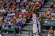 """DESCRIZIONE : Torneo Città di Sassari """"Mimì Anselmi"""" Dinamo Banco di Sardegna Sassari - AEK Atene<br /> GIOCATORE : Brenton Petway<br /> CATEGORIA : Tiro Tre Punti Three Point<br /> SQUADRA : Dinamo Banco di Sardegna Sassari<br /> EVENTO :  Torneo Città di Sassari """"Mimì Anselmi"""" <br /> GARA : Dinamo Banco di Sardegna Sassari - AEK Atene Torneo Città di Sassari """"Mimì Anselmi""""<br /> DATA : 12/09/2015<br /> SPORT : Pallacanestro <br /> AUTORE : Agenzia Ciamillo-Castoria/L.Canu"""