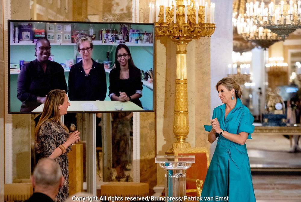 DEN HAAG, 01-06-2021 , Paleis Noordeinde<br /> <br /> Koningin Maxima reikt op Paleis Noordeinde de Appeltjes van Oranje van het Oranje Fonds uit. Ook Zijne Majesteit de Koning is aanwezig. De drie winnaars worden tijdens de uitreiking bekendgemaakt. Vanwege de maatregelen omtrent het coronavirus vindt de bijeenkomst in aangepaste vorm plaats.<br /> <br /> Queen Maxima will be presenting the Appeltjes van Oranje from the Oranje Fonds at Noordeinde Palace. His Majesty the King is also present. The three winners will be announced during the award ceremony. Due to the measures regarding the coronavirus, the meeting will take place in a modified form.