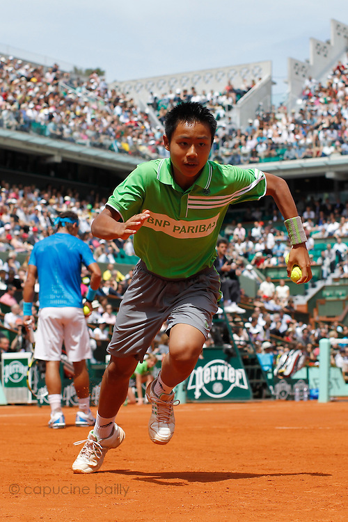 Roland Garros 2011. Paris, France. May 28th 2011..A ball boy during the game opposing Rafael NADAL and Antonio VEIC