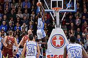 DESCRIZIONE : Campionato 2015/16 Serie A Beko Dinamo Banco di Sardegna Sassari - Umana Reyer Venezia<br /> GIOCATORE : Christian Eyenga<br /> CATEGORIA : Schiacciata Sequenza Controcampo<br /> SQUADRA : Dinamo Banco di Sardegna Sassari<br /> EVENTO : LegaBasket Serie A Beko 2015/2016<br /> GARA : Dinamo Banco di Sardegna Sassari - Umana Reyer Venezia<br /> DATA : 01/11/2015<br /> SPORT : Pallacanestro <br /> AUTORE : Agenzia Ciamillo-Castoria/L.Canu