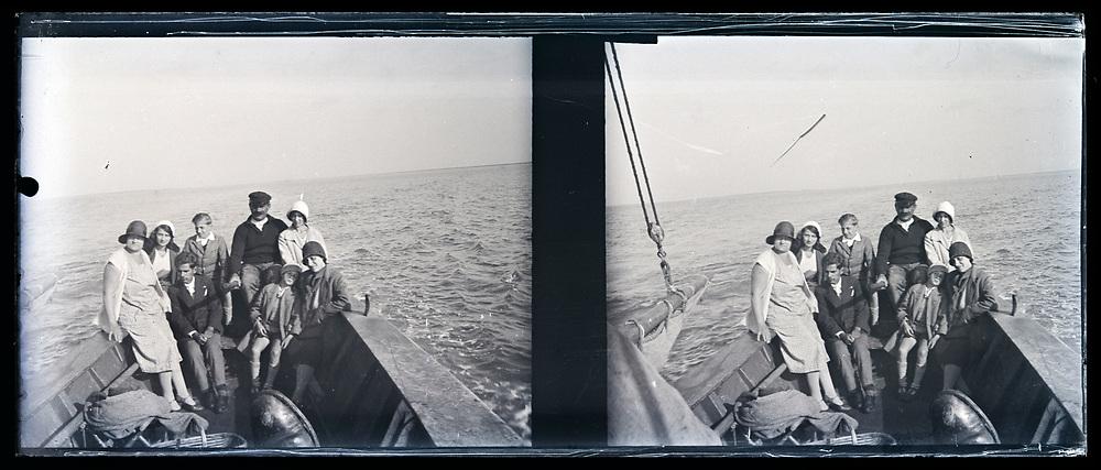 sailing vacation 1920s France