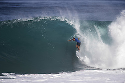 December 11, 2017 - Banzai Pipeline, HI, USA - BANZAI PIPELINE, HI - DECEMBER 11, 2017 - Bede Durbidge of Australia competes in the first round of the Billabong Pipe Masters. (Credit Image: © Erich Schlegel via ZUMA Wire)