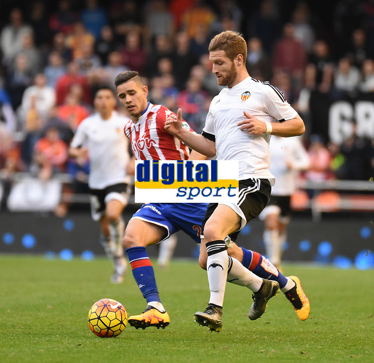 Valencia CF's   Shkodran Mustafi and Sporting de Gijon's Sanabria  during La Liga match. January 31, 2016. (ALTERPHOTOS/Javier Comos)