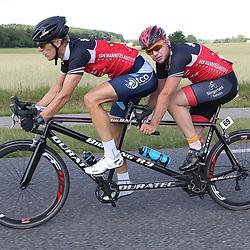 18-06-2017: Wielrennen: NK Paracycling: Montferlands-Heerenberg (NED) wielrennen  <br /> Stephen de Vries )Gouda)-Pascal Valentijn