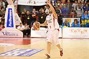 DESCRIZIONE : Pistoia Lega serie A 2013/14 Giorgio Tesi Group Pistoia Victoria Libertas Pesaro<br /> GIOCATORE : meini guido<br /> CATEGORIA : palleggio<br /> SQUADRA : Giorgio Tesi Group Pistoia<br /> EVENTO : Campionato Lega Serie A 2013-2014<br /> GARA : Giorgio Tesi Group Pistoia Victoria Libertas Pesaro<br /> DATA : 24/11/2013<br /> SPORT : Pallacanestro<br /> AUTORE : Agenzia Ciamillo-Castoria/GiulioCiamillo<br /> Galleria : Lega Seria A 2013-2014<br /> Fotonotizia : Pistoia Lega serie A 2013/14 Giorgio Tesi Group Pistoia Victoria Libertas Pesaro<br /> Predefinita :