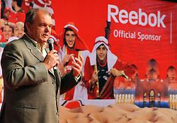 Presidente do S. C. Internacional, Vitório Píffero durante apresentação da nova coleção que a Reebok fez para o clube dispuar o Mundial de Clubes da FIFA 2010, em Abu Dahbi. FOTO: Jefferson Bernardes/Preview.com
