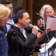 NLD/Hilversum/20130930 - Repetitie Metropole Orkest voor concert, L.A. the Voices, Remko Harms, Richy Brown, Roy van den Akker en Peter William Strykes en Charly Luske