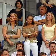 NLD/Amsterdam/20050729 - LG Amsterdam Tournament 2005, afscheid Rafael van der Vaart van Ajax, partner Sylvie Meis op de tribune