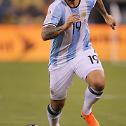 EAST RUTHERFORD, NEW JERSEY - JUNE 26:  Ever Banega #19 of Argentina in action during the Argentina Vs Chile Final match of the Copa America Centenario USA 2016 Tournament at MetLife Stadium on June 26, 2016 in East Rutherford, New Jersey. (Photo by Tim Clayton/Corbis via Getty Images)