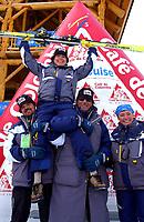 Alpint, 29.11.2001 Lake Louis, Kanada,<br />Die Italienerin Isolde Kostner jubelt nach ihrem Sieg am Donnerstag (29.11.2001) beim der Ski Alpin Weltcup Abfahrt der Damen in Lake Louis, Kanada.<br />Foto: Digitalsport