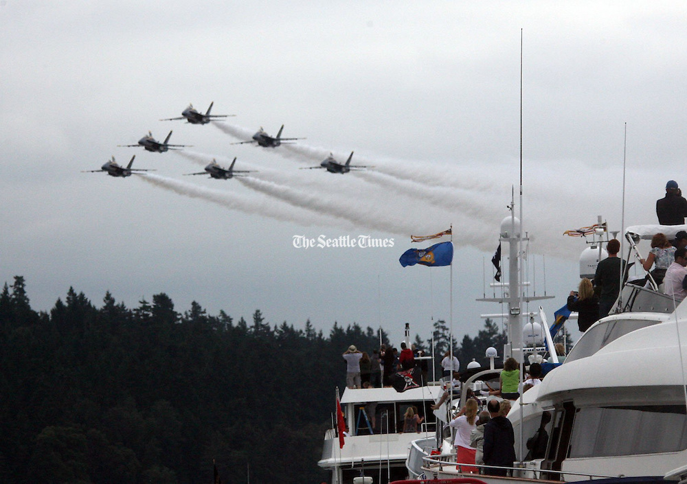 Blue Angels perform their show at Seattle's Seafair Festival.<br /> Greg Gilbert / The Seattle Times