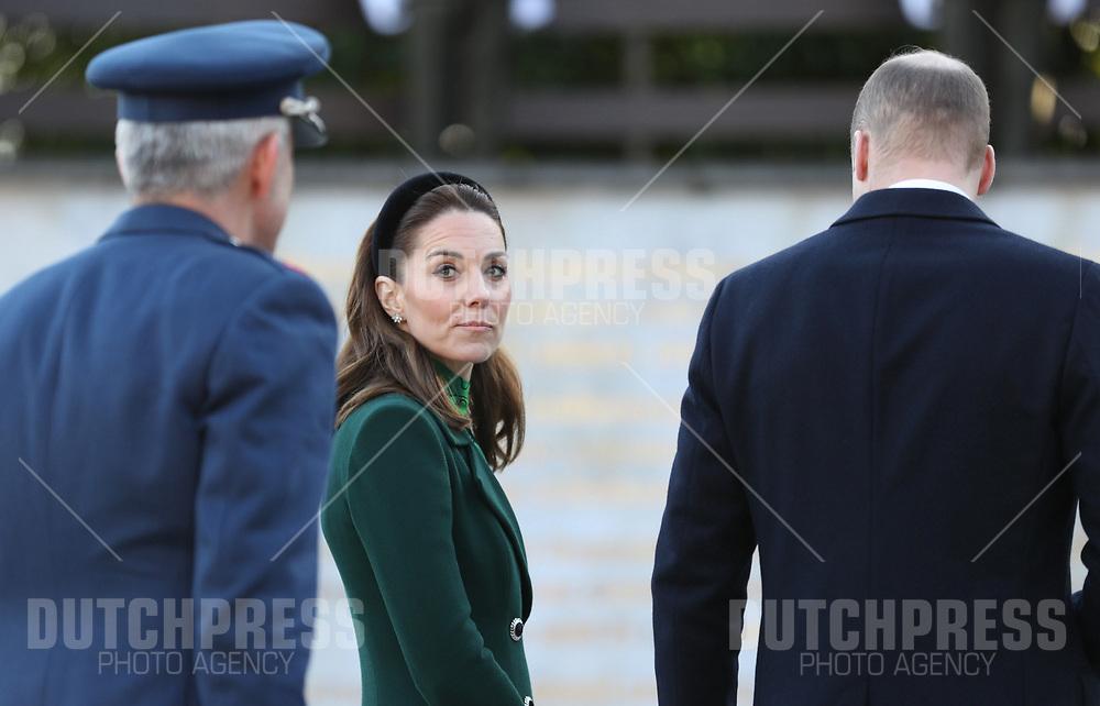 DUBLIN - Catherine Hertogin van Cambridge bij de Garden of Remembrance in Dublin.