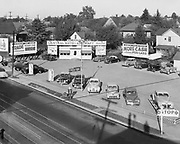 Ackroyd 00016-16. Central Auto Sales, 4306 NE Union, corner Skidmore. September 1, 1946.