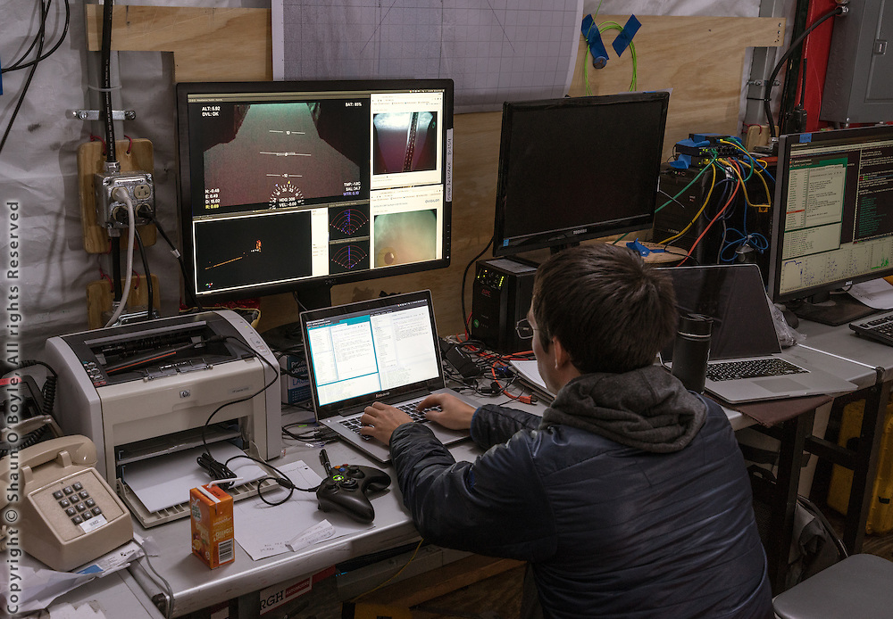 Manual control of the robot is done through a modified xbox controller. Sonar and video feeds from Artemis can be seen on the screen.