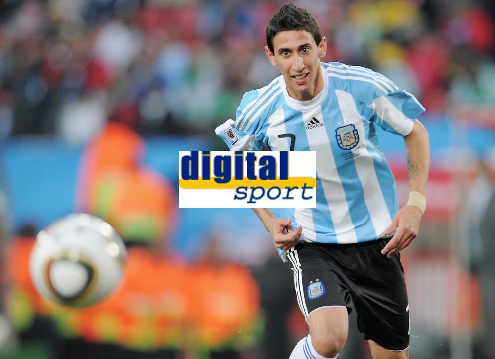 Fotball<br /> VM 2010<br /> 12.06.2010<br /> Argentina v Nigeria<br /> Foto: Witters/Digitalsport<br /> NORWAY ONLY<br /> <br /> v.l. Angel di Maria (Argentinien)<br /> Fussball WM 2010 in Suedafrika, Vorrunde, Argentinien - Nigeria