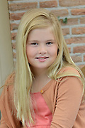 Koninklijke fotosessie 2013 op landgoed De Horsten ( het huis van de koninklijke familie)  in Wassenaar.<br /> <br /> Royal photoshoot 2013 at De Horsten estate (the home of the royal family) in Wassenaar.<br /> <br /> Op de foto / On the photo: <br /> <br />  Prinses Amalia