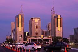Fazendo parte do maior e mais completo centro de negócios e hotelaria de Brasília, o Brasil 21 é concebido dentro do mais moderno conceito de business e, além do centro de convenções, é composto de três edifícios de flats, três torres de escritórios, setenta e duas lojas, cinemas, infra-estrutura de lazer e ainda três subsolos de garagem. FOTO: Jefferson Bernardes/Preview.com