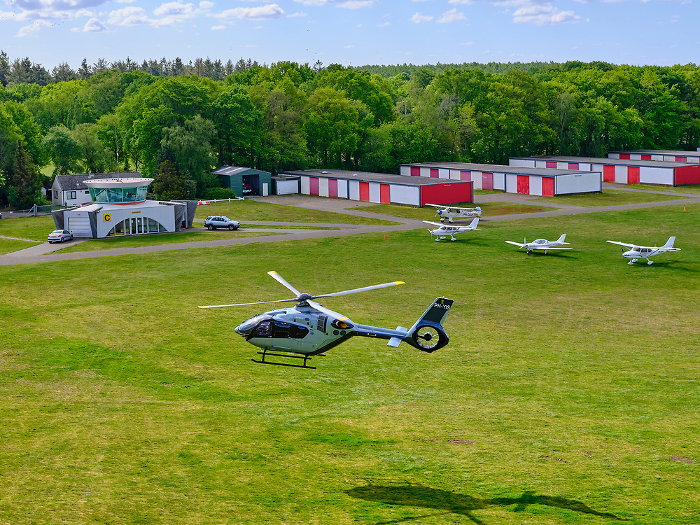 Nederland, Noord-Holland, Hilversum, 14–05-2020; Noodweg, helikopter Airbus Helicopters H135 op Vliegveld Hilversum.<br /> <br /> luchtfoto (toeslag op standaard tarieven);<br /> aerial photo (additional fee required)<br /> copyright © 2020 foto/photo Siebe Swart