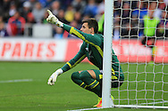 Eldin Jakupovic , the Hull city goalkeeper gives his instructions as he lines up a defensive wall. Premier league match, Swansea city v Hull city at the Liberty Stadium in Swansea, South Wales on Saturday 20th August 2016.<br /> pic by Andrew Orchard, Andrew Orchard sports photography.