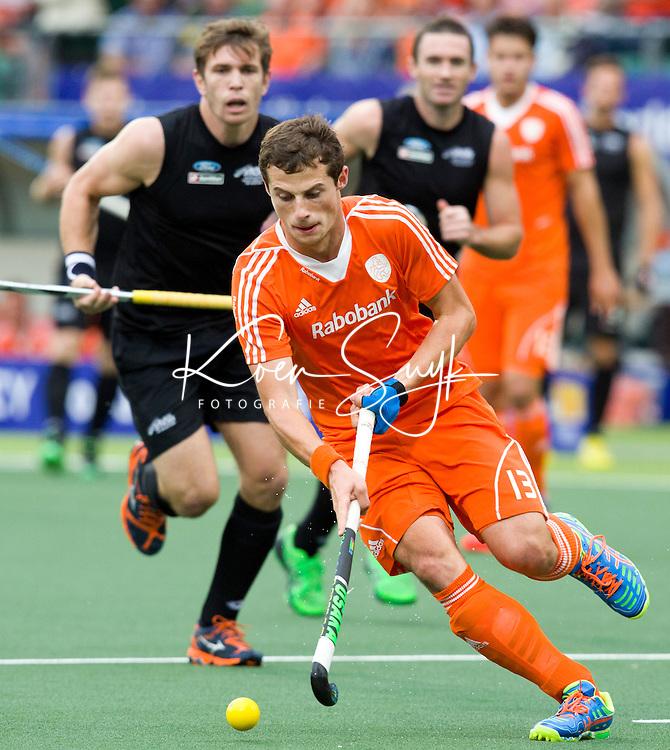 DEN HAAG - Sander Baart tijdens de laatste poulewedstrijd tussen de mannen van  Nederland en Nieuw-Zeeland om de World Cup Hockey 2014. ANP KOEN SUYK