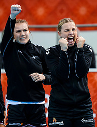 15-12-2019 JAP: Final Netherlands - Spain, Kumamoto<br /> The Netherlands beat Spain in the final and take historic gold in Park Dome at 24th IHF Women's Handball World Championship / Rinka Duijndam #30 of Netherlands, Merel Freriks #19 of Netherlands