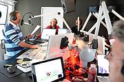De Radio 10-middagshow 'Somertijd' organiseert in samenwerking met het Rode Kruis de allereerste editie van de 'Somertijd Reanimatiedag' op 2 juni. Dat maken dj Rob van Someren en Rode Kruis-ambassadeur Irene Moors bekend tijdens de uitzending<br /> <br /> Op de foto:  Rob van Someren en Rode Kruis-ambassadeur Irene Moors