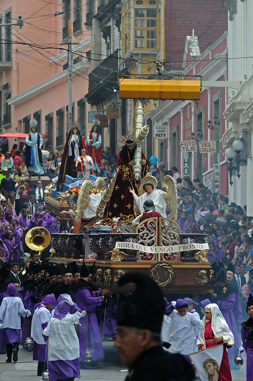 """Apr 22, 2011 - Quetzaltenago, Guatemala - Semana Santa or Holy Week continued in Quetzaltenago with the """"Procession to the Cathedral"""" Resident of the second largest city in Guatemala lined the streets of the Procession route leading into the Central Park..(Credit Image: © Josh Bachman/ZUMA Press)"""
