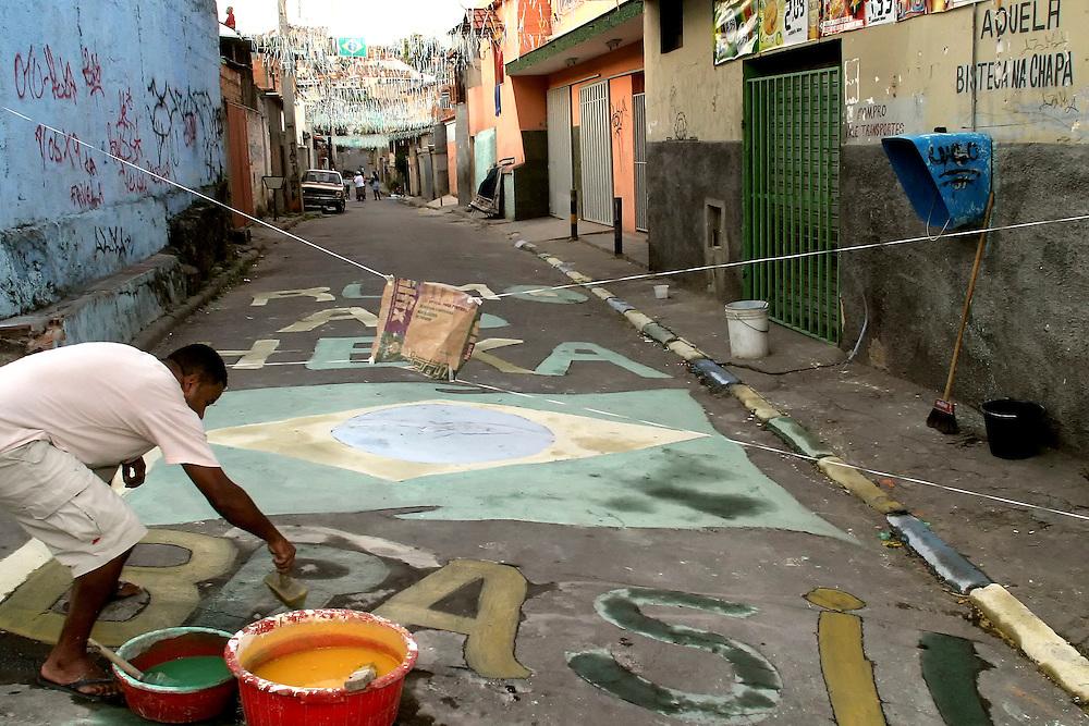 Belo Horizonte_MG, Brasil...Preparativos para a Copa do Mundo 2006 em Sabara...Preparations for the World Cup 2006 in Sabara...Foto: BRUNO MAGALHAES / NITRO.