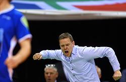 17-04-2016 NED: Play off finale Abiant Lycurgus - Seesing Personeel Orion, Groningen<br /> Abiant Lycurgus is door het oog van de naald gekropen tijdens het eerste finaleduel om het landskampioenschap. De Groningers keken in een volgepakt MartiniPlaza tegen een 0-2 achterstand aan tegen Seesing Personeel Orion, maar kwam langszij en pakte het de wedstrijd met 3-2 / Coach Arjan Taaij