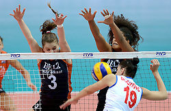 01-10-2014 ITA: World Championship Volleyball Servie - Nederland, Verona<br /> Nederland verliest met 3-0 van Servie en is kansloos voor plaatsing final 6 / Yvon Beliën, Celeste Plak, Tijana Boskovic