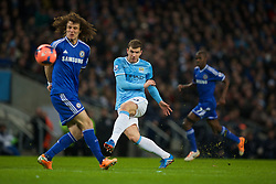 15.02.2014, Etihad Stadion, Manchester, ESP, FA Cup, Manchester City vs FC Chelsea, Achtelfinale, im Bild Manchester City's Edin Dzeko, action against Chelsea // during the English FA Cup Round of last 16 Match between Manchester City and FC Chelsea at the Etihad Stadion in Manchester, Great Britain on 2014/02/15. EXPA Pictures © 2014, PhotoCredit: EXPA/ Propagandaphoto/ David Rawcliffe<br /> <br /> *****ATTENTION - OUT of ENG, GBR*****
