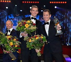 17-12-2013 ALGEMEEN: SPORTGALA NOC NSF 2013: AMSTERDAM<br /> In de Amsterdamse RAI vindt het traditionele NOC NSF Sportgala weer plaats.(L-R) Winnaars Gerard Kemkers, Robert Meeuwsen en Alexander Brouwer met hun trofeeen tijdens het NOC*NSF sportgala 2013<br /> ©2013-FotoHoogendoorn.nl